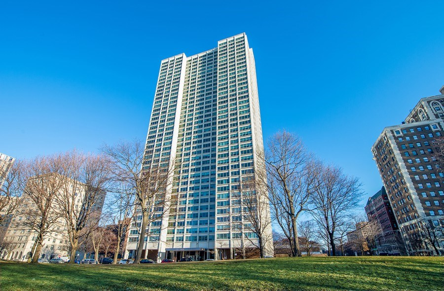 Real Estate Photography - 1700 E 56th St, Unit 3201, Chicago, IL, 60607 - Front View