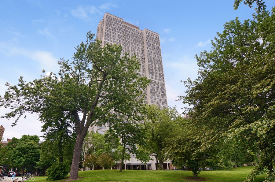 Real Estate Photography - 1700 E 56th St, Unit 3201, Chicago, IL, 60607 -