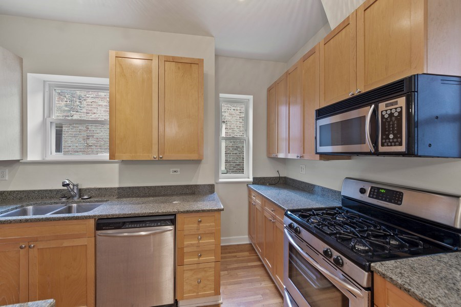 Real Estate Photography - 5529 S Cornell Ave, Unit 3S, Chicago, IL, 60637 - Kitchen