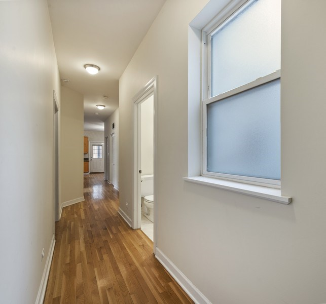 Real Estate Photography - 5529 S Cornell Ave, Unit 3S, Chicago, IL, 60637 - Hallway