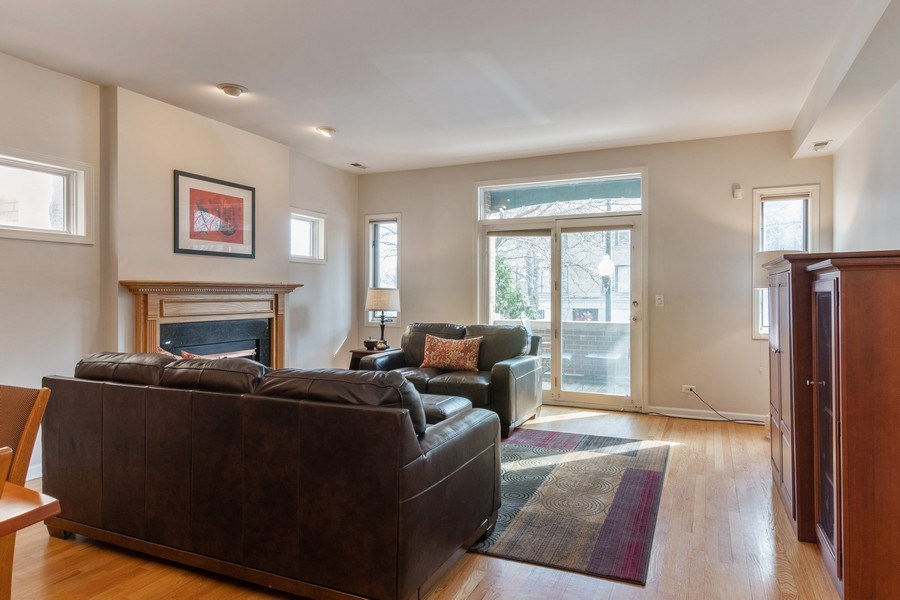 Real Estate Photography - 3924 N Southport, Unit 2 North, Chicago, IL, 60613 - Living Room