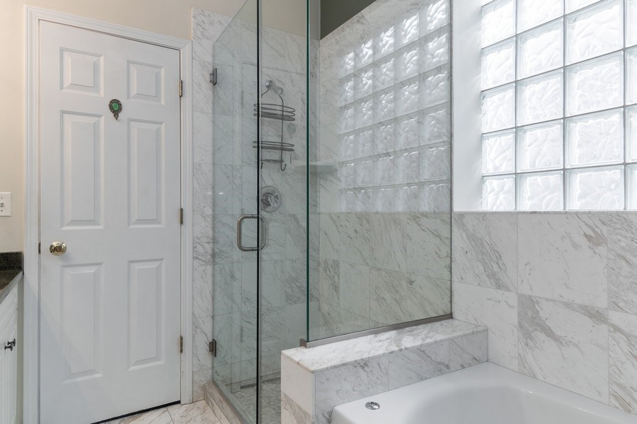 Real Estate Photography - 3924 N Southport, Unit 2 North, Chicago, IL, 60613 - Master Bathroom