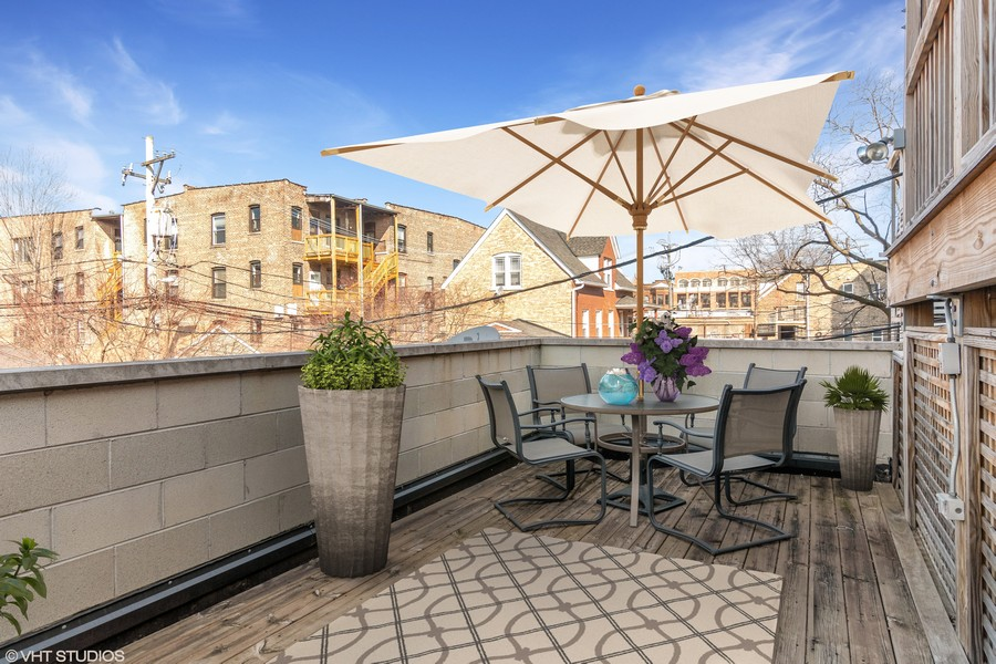 Real Estate Photography - 3924 N Southport, Unit 2 North, Chicago, IL, 60613 -