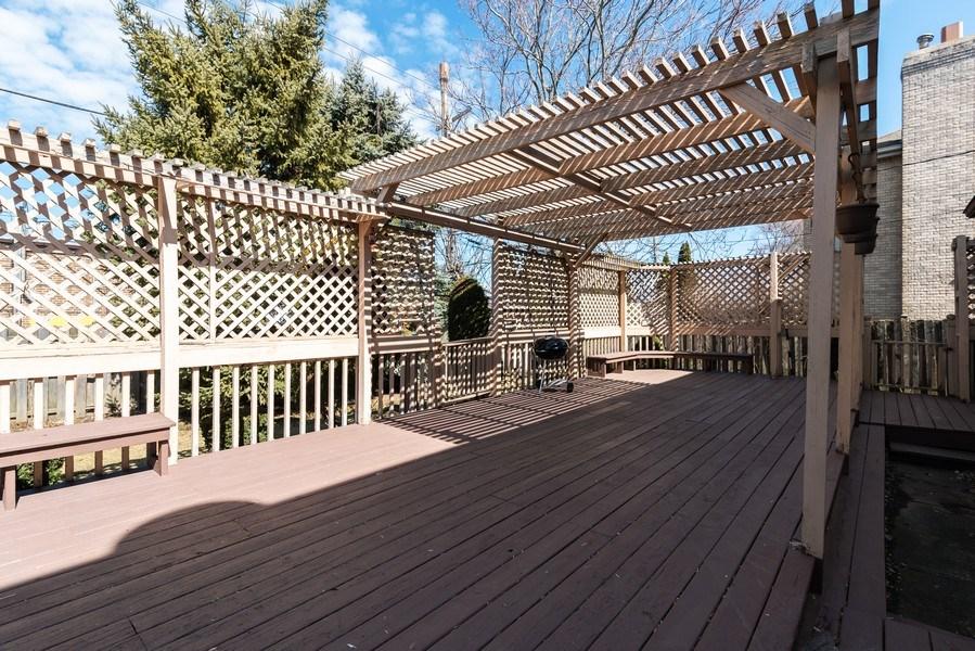 Real Estate Photography - 6040 Carol Ave, Morton Grove, IL, 60053 - Deck