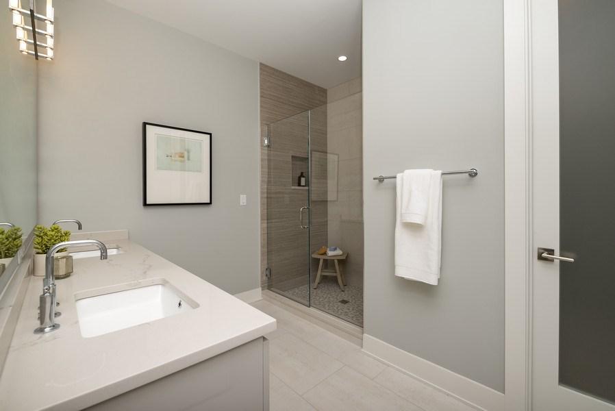 Real Estate Photography - 14 N. Bishop St., Chicago, IL, 60607 - Master Bathroom