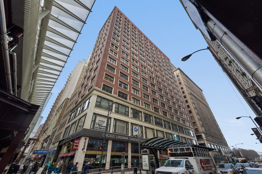 Real Estate Photography - 5 N. Wabash, 1603, Chicago, IL, 60602 - Front View