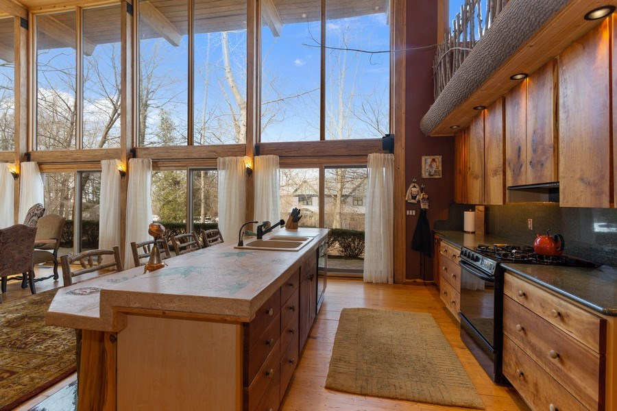 Real Estate Photography - 15157 Lakeshore Road, Lakeside, MI, 49116 - Kitchen