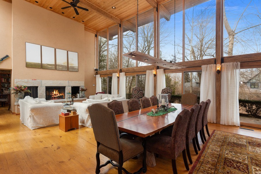 Real Estate Photography - 15157 Lakeshore Road, Lakeside, MI, 49116 - Dining Room