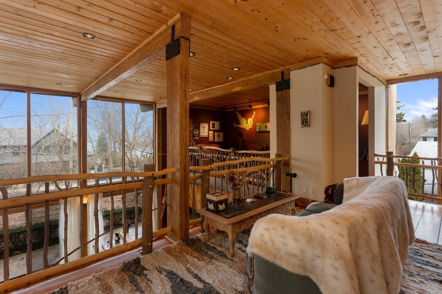 Real Estate Photography - 15157 Lakeshore Road, Lakeside, MI, 49116 - Loft