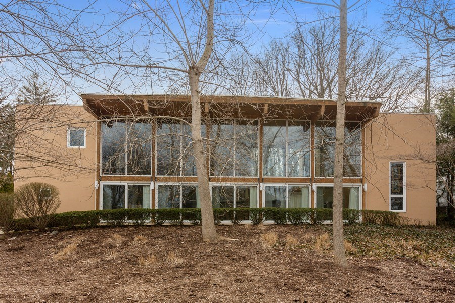 Real Estate Photography - 15157 Lakeshore Road, Lakeside, MI, 49116 - Front View