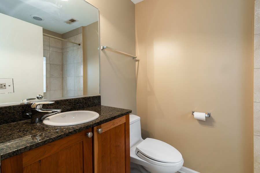 Real Estate Photography - 1738 W Foster Ave #3R, Chicago, IL, 60640 - Master Bath