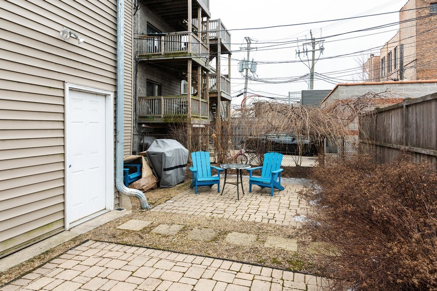 Real Estate Photography - 1738 W Foster Ave #3R, Chicago, IL, 60640 - Patio