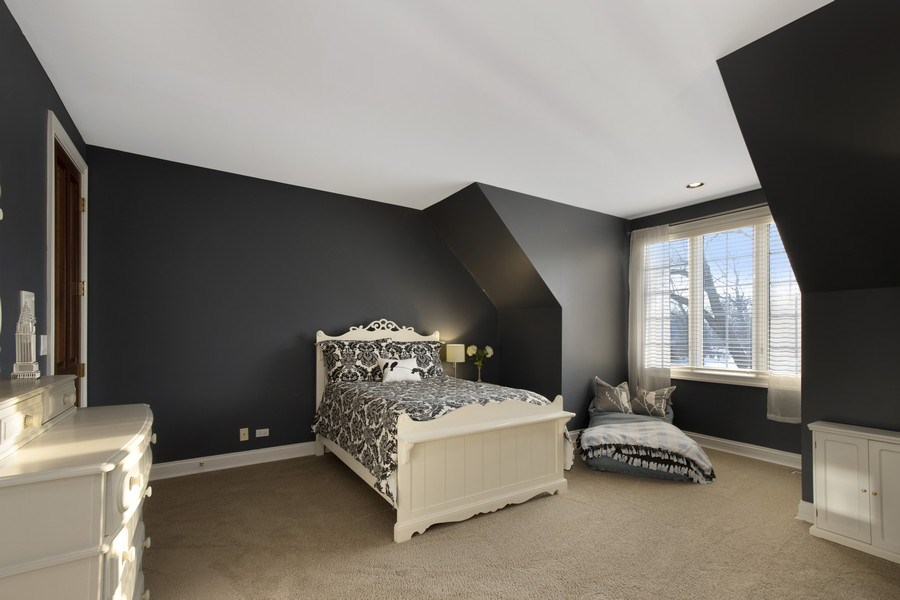 Real Estate Photography - 2021 Tremont Ct, Libertyville, IL, 60048 - 2nd Bedroom