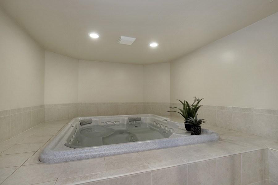 Real Estate Photography - 2021 Tremont Ct, Libertyville, IL, 60048 - Bonus Room