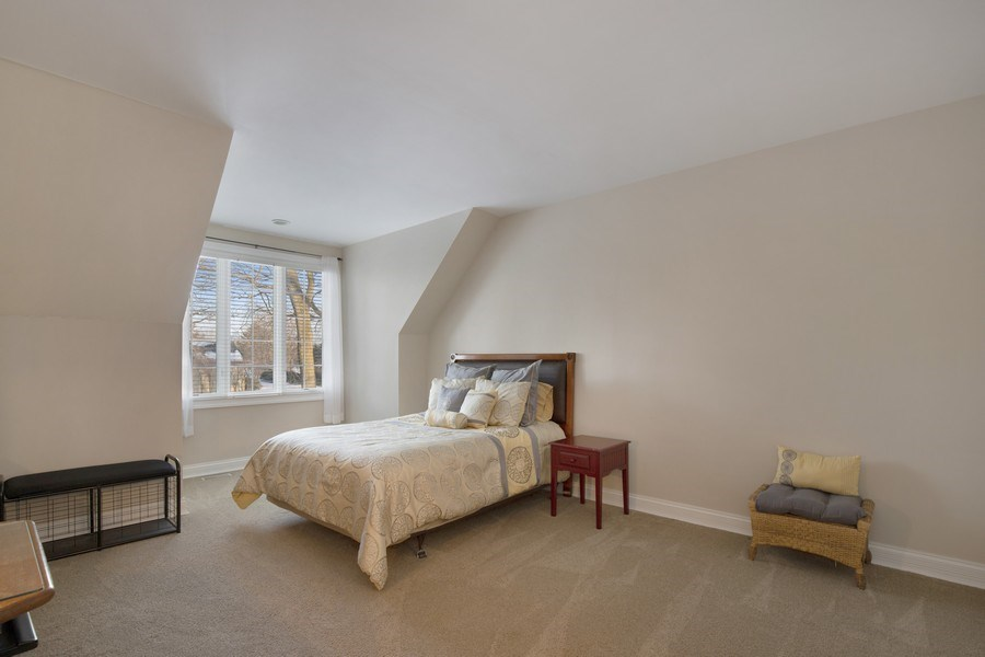 Real Estate Photography - 2021 Tremont Ct, Libertyville, IL, 60048 - Bedroom