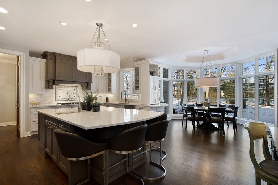 Real Estate Photography - 2021 Tremont Ct, Libertyville, IL, 60048 - Kitchen / Breakfast Room