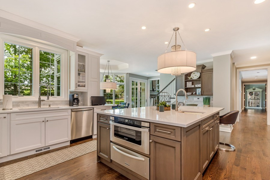 Real Estate Photography - 2021 Tremont Ct, Libertyville, IL, 60048 - Kitchen
