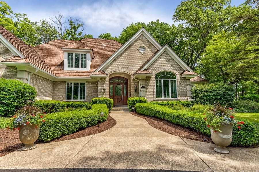 Real Estate Photography - 2021 Tremont Ct, Libertyville, IL, 60048 - Front Entry