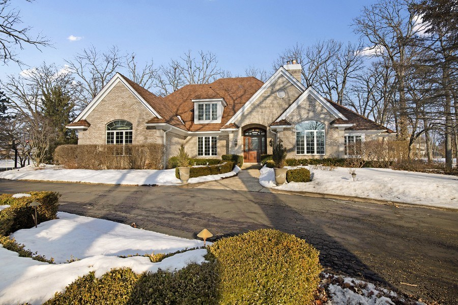 Real Estate Photography - 2021 Tremont Ct, Libertyville, IL, 60048 - Front View