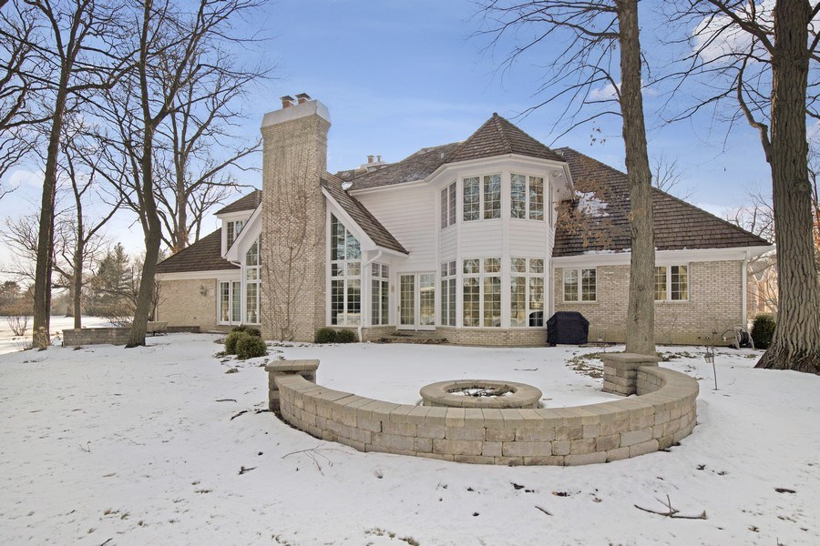 Real Estate Photography - 2021 Tremont Ct, Libertyville, IL, 60048 - Rear View