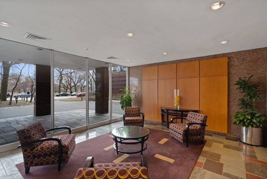 Real Estate Photography - 2970 N. Lake Shore Dr, #9B, Chicago, IL, 60657 - Lobby
