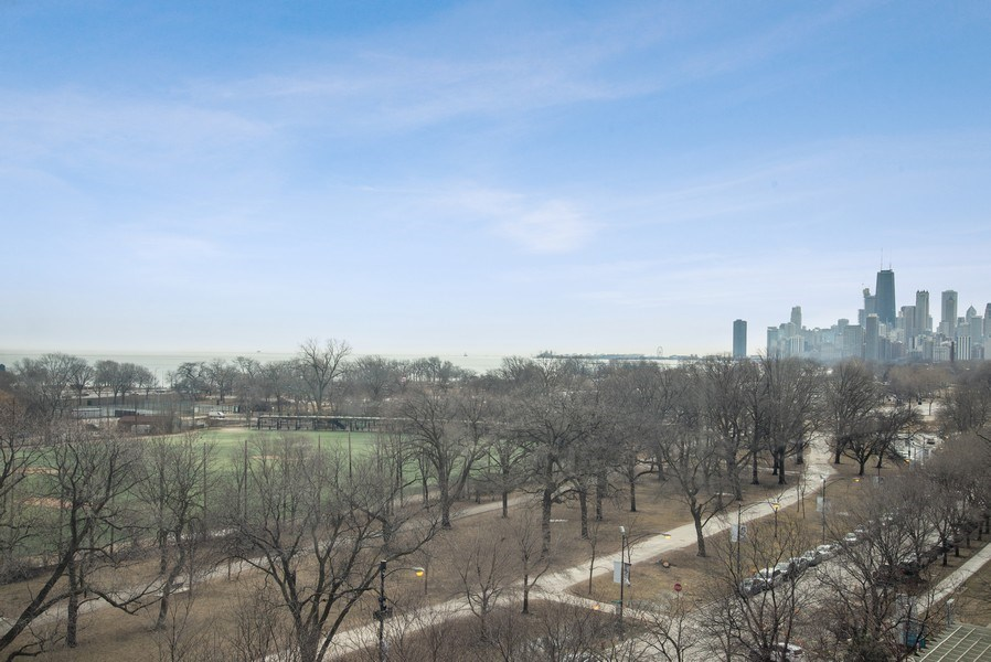 Real Estate Photography - 2970 N. Lake Shore Dr, #9B, Chicago, IL, 60657 - Views