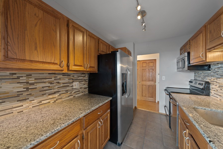 Real Estate Photography - 2970 N. Lake Shore Dr, #9B, Chicago, IL, 60657 - Kitchen