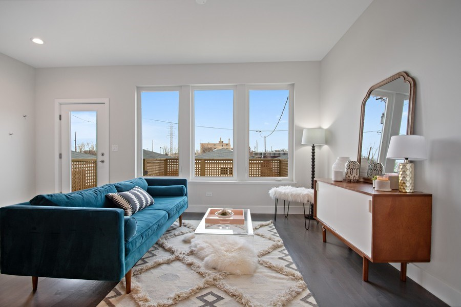 Real Estate Photography - 2548 W. Grenshaw, Chicago, IL, 60612 - Great Room