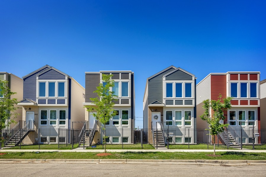 Real Estate Photography - 2548 W. Grenshaw, Chicago, IL, 60612 - Exterior