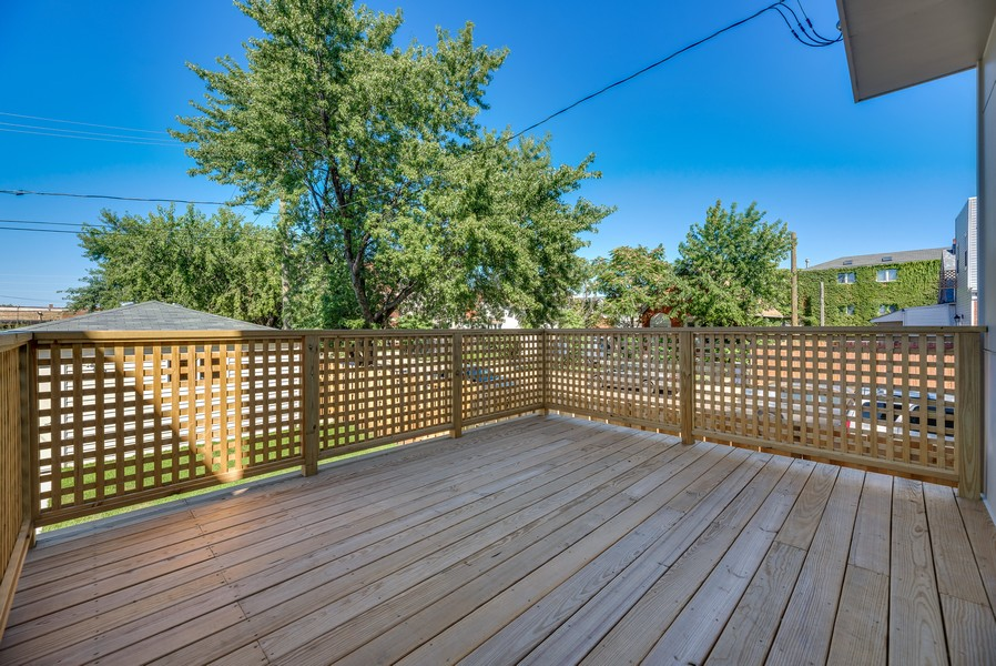 Real Estate Photography - 2548 W. Grenshaw, Chicago, IL, 60612 - Deck