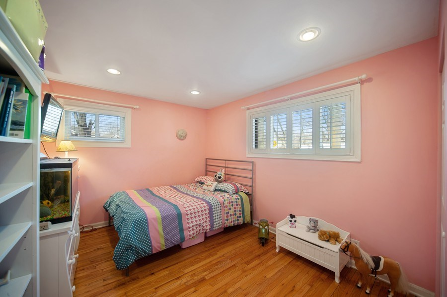 Real Estate Photography - 1722 W. Oakton St., Arlington Heights, IL, 60004 - 2nd Bedroom