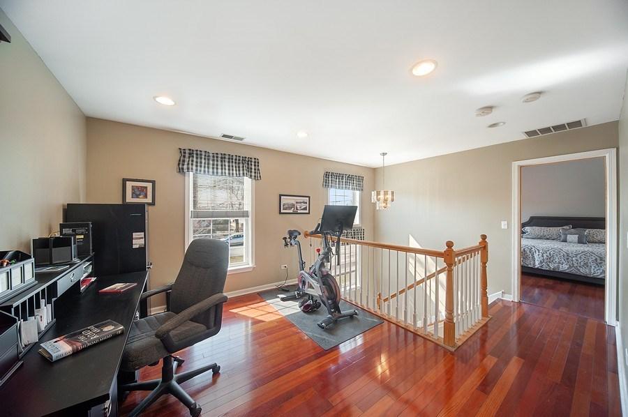 Real Estate Photography - 1722 W. Oakton St., Arlington Heights, IL, 60004 - 2nd Floor Loft