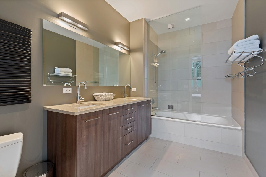 Real Estate Photography - 1800 W Grace, CHICAGO, IL, 60613 - Master Bathroom