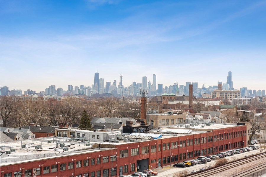 Real Estate Photography - 1800 W Grace, CHICAGO, IL, 60613 - View
