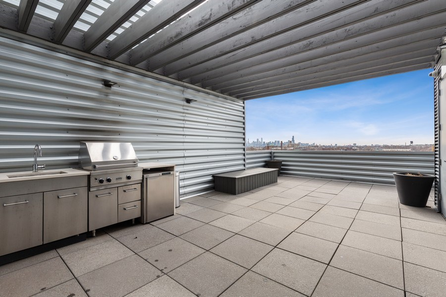 Real Estate Photography - 1800 W Grace, CHICAGO, IL, 60613 -