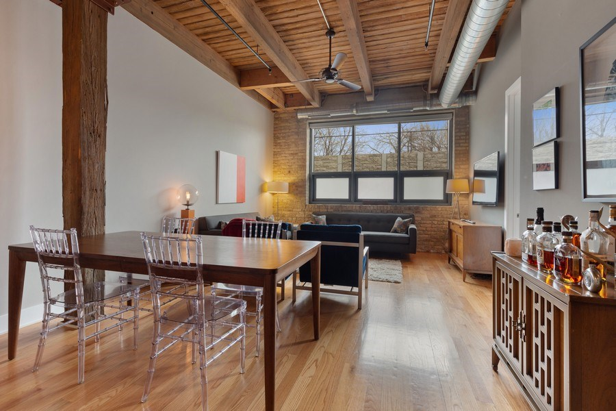 Real Estate Photography - 1800 W Grace, CHICAGO, IL, 60613 - Living Room / Dining Room