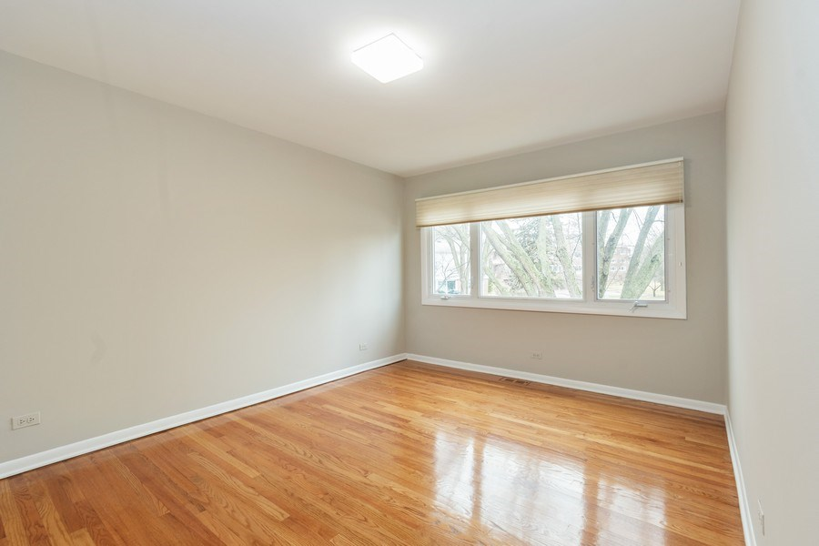 Real Estate Photography - 20 N Regency Dr E, Arlington Heights, IL, 60004 - Bedroom