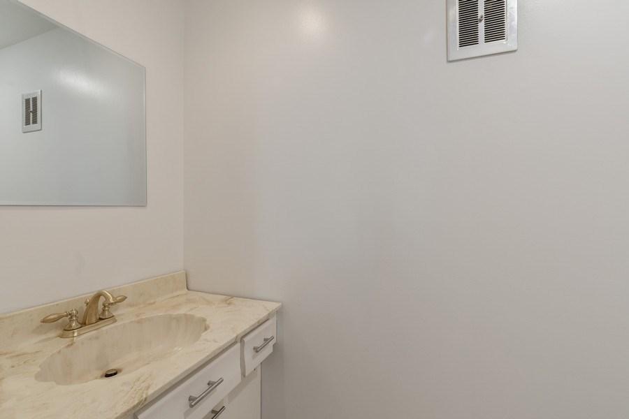 Real Estate Photography - 20 N Regency Dr E, Arlington Heights, IL, 60004 - Powder Room