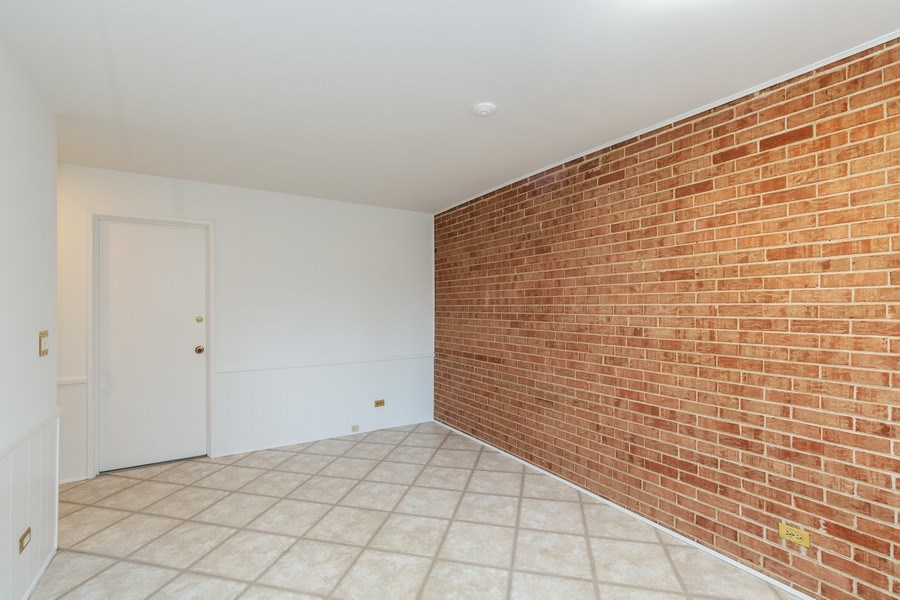 Real Estate Photography - 20 N Regency Dr E, Arlington Heights, IL, 60004 - Dining Area 2