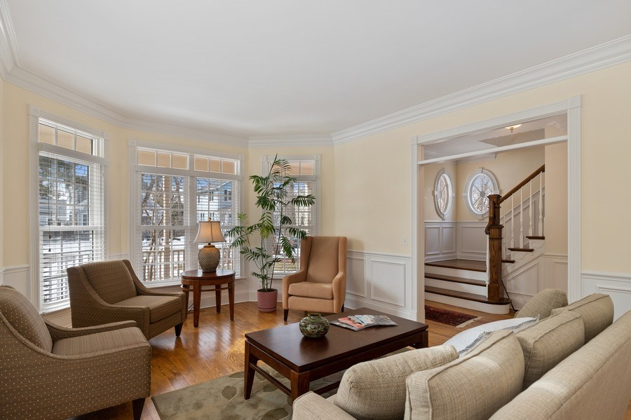 Real Estate Photography - 357 Hirst Court, Lake Bluff, IL, 60044 - Living Room