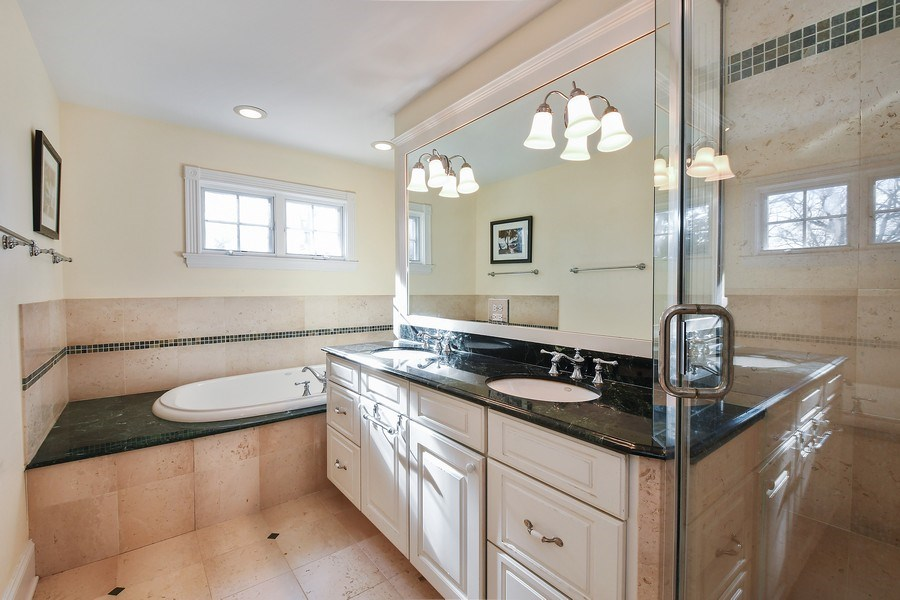 Real Estate Photography - 357 Hirst Court, Lake Bluff, IL, 60044 - Master Bathroom