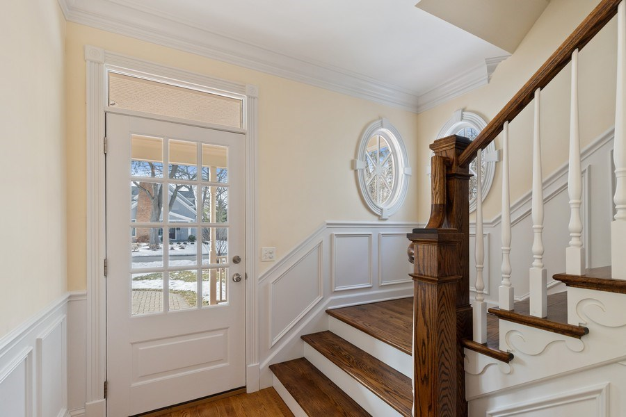 Real Estate Photography - 357 Hirst Court, Lake Bluff, IL, 60044 - Foyer
