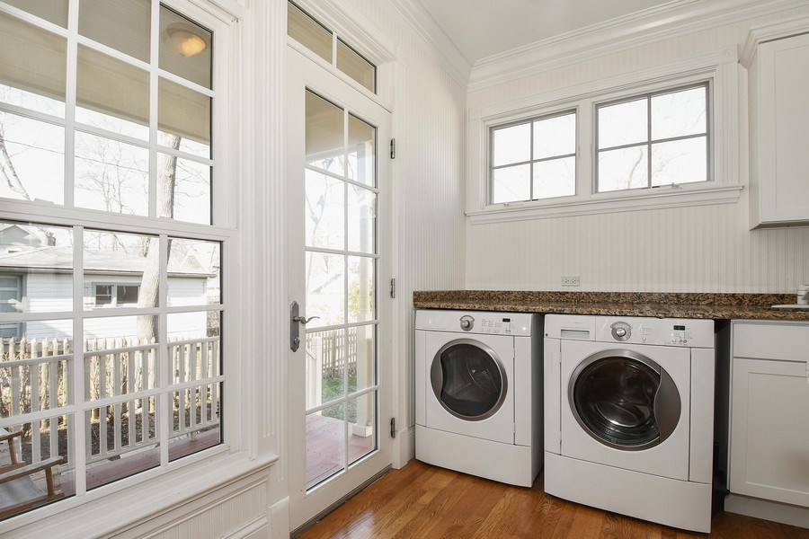 Real Estate Photography - 357 Hirst Court, Lake Bluff, IL, 60044 - Laundry Room