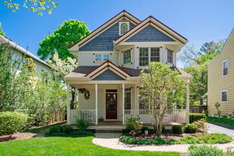 Real Estate Photography - 357 Hirst Court, Lake Bluff, IL, 60044 - Front View