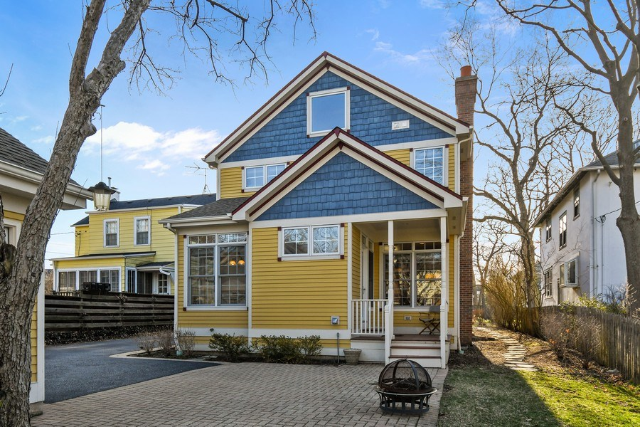 Real Estate Photography - 357 Hirst Court, Lake Bluff, IL, 60044 - Rear View