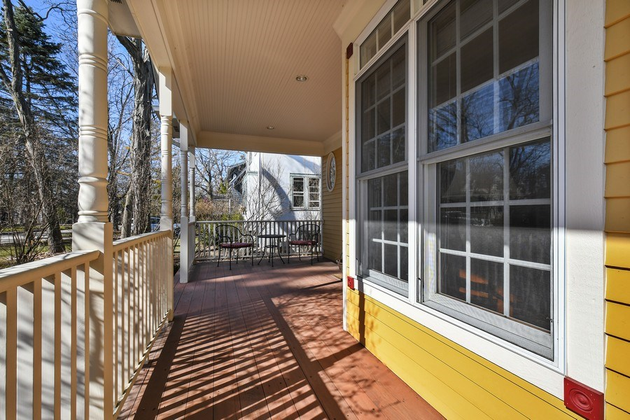 Real Estate Photography - 357 Hirst Court, Lake Bluff, IL, 60044 - Porch