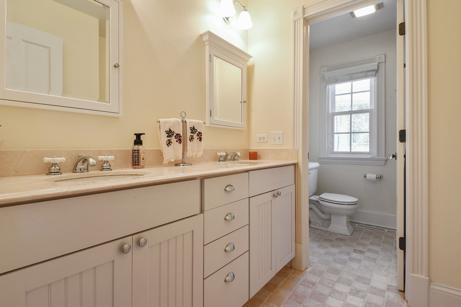 Real Estate Photography - 357 Hirst Court, Lake Bluff, IL, 60044 - Bathroom