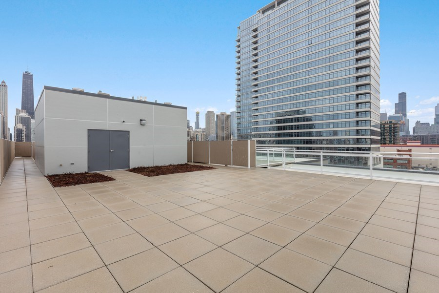 Real Estate Photography - 367 W. Locust, 205, Chicago, IL, 60654 - Common Deck
