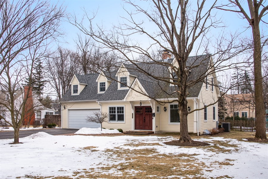 Real Estate Photography - Old Hawthorne, Glenview, IL, 60026 - Front View