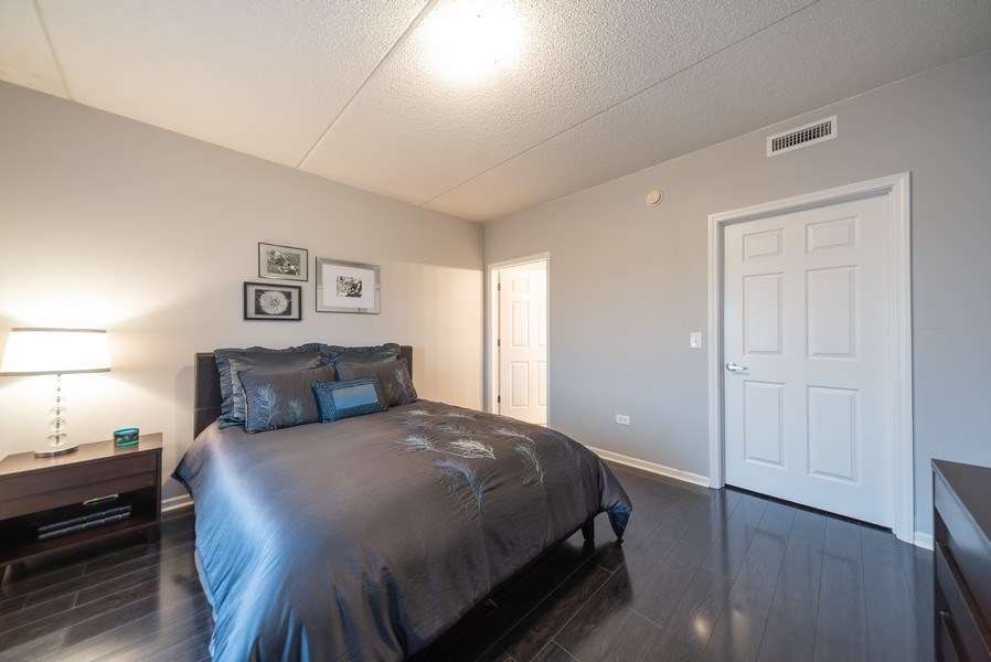 Real Estate Photography - 3401 Carriageway Drive, #406, Arlington Hts, IL, 60004 - Master Bedroom